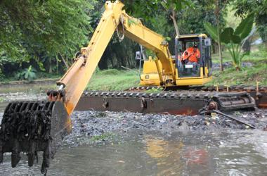 excavator-post
